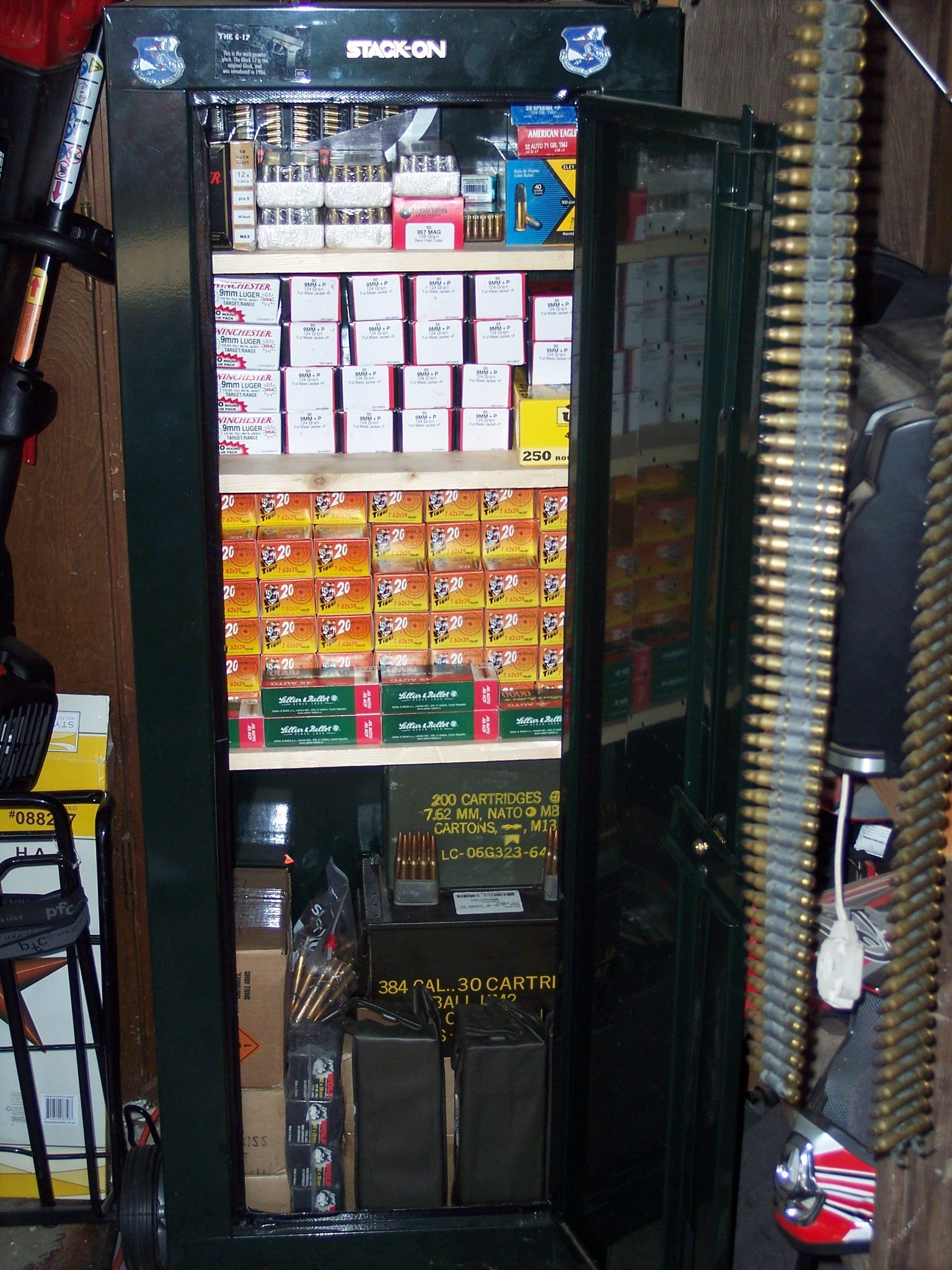 Re Sentry 8 Gun Secuity Cabinet For Ammo Storage